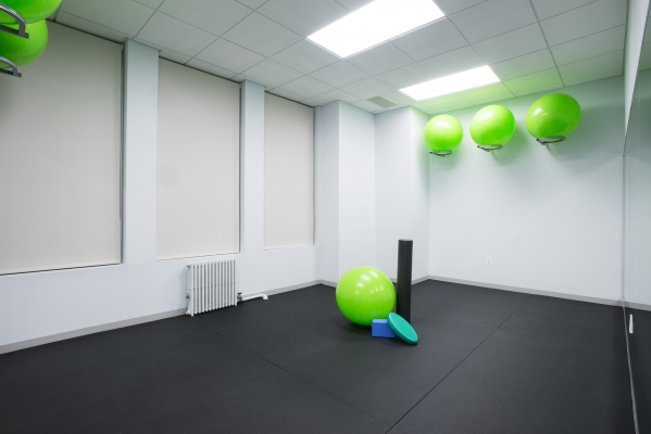 NYC Chiropractor exercise room image